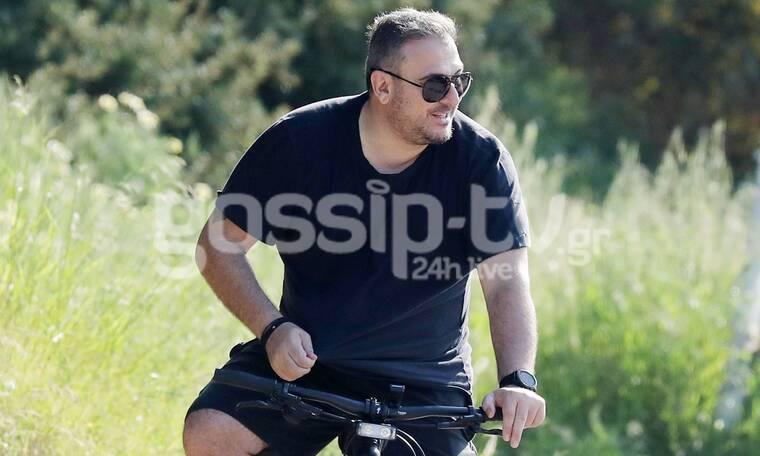 Αντώνης Ρέμος: Βόλτα με το ποδήλατο και καλή παρέα εν μέσω καραντίνας! (Photos)