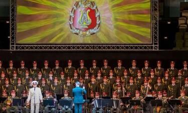 Μήνυμα συμπαράστασης στον ελληνικό λαό από τη Χορωδία του Κόκκινου Στρατού (Video)