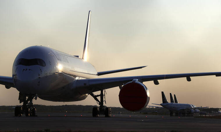 Μάσκες στα αεροπλάνα: Τα αεροπορικά ταξίδια την εποχή του κορωνοϊού