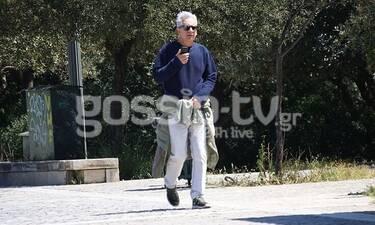 Ο Αλέξανδρος Αντωνόπουλος όπως δεν τον έχεις ξαναδεί! Ο περίπατος και το αθλητικό outflit! (Photos)