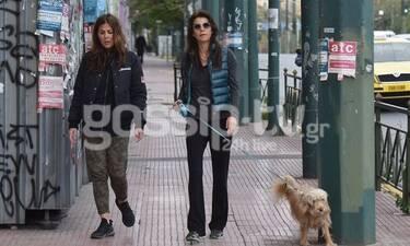 Μαρίνα Βερνίκου: Οι βόλτες με τον σκύλο της δεν σταματούν! (Photos)