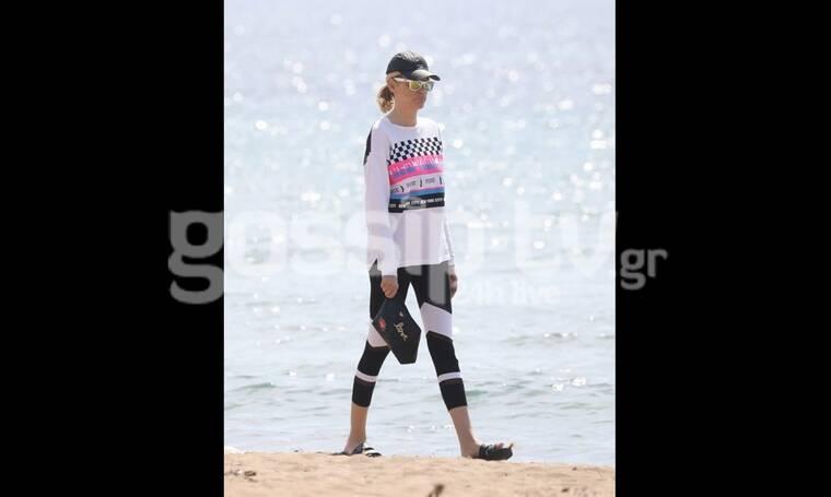 Σάσα Σταμάτη: Πήγε παραλία με στιλ και καλοκαιρινή διάθεση (Photos)