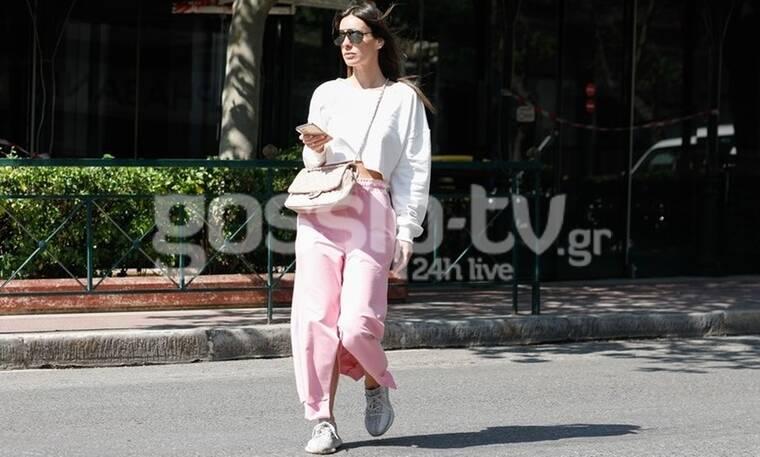 Μια fashion blogger παραδίδει μαθήματα στιλ στους δρόμους της Αθήνας! (Photos)