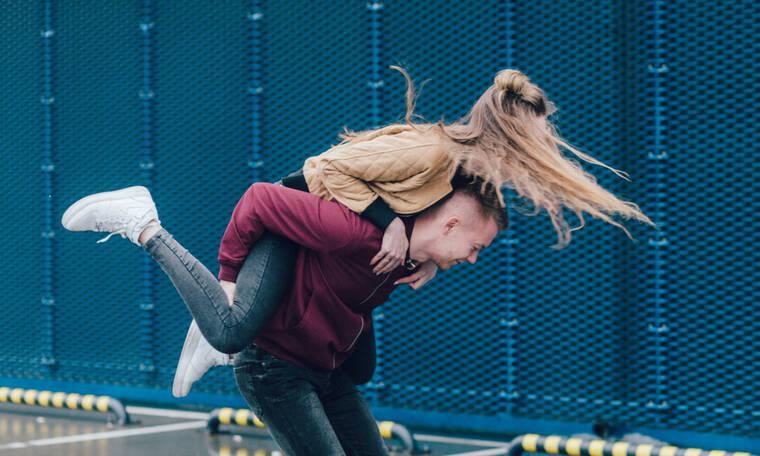 Μία καθημερινή συνήθεια που μπορεί να καταστρέψει τη σχέση σου