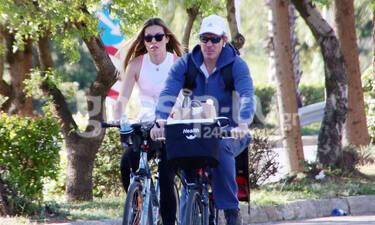 Μαριέττα Χρουσαλά-Λέων Πατίτσας: Για ποδήλατο στο Καβούρι – Όλες οι φωτογραφίες