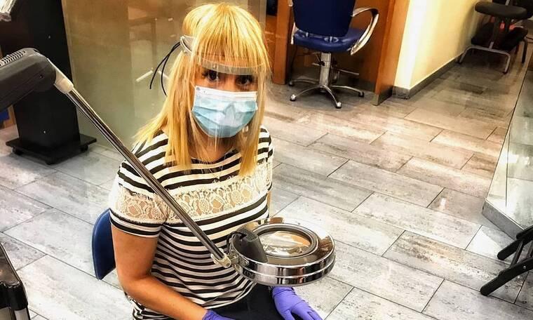 Τέτα Καμπουρέλη: Τρομάξαμε να την αναγνωρίσουμε πίσω από τη μάσκα! (Photos)