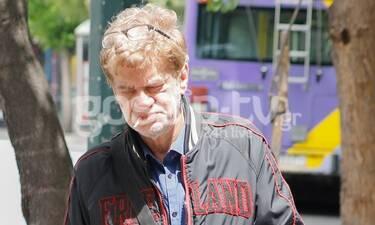 Τάκης Παπαματθαίου: Τον εντοπίσαμε στο κέντρο της Αθήνας σκεπτικό και λυπημένο (photos)