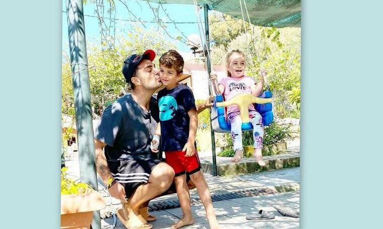 Διεθνής Ημέρα Οικογένειας: Ο Στέλιος Χανταμπάκης μας ταξιδεύει στον κόσμο της οικογένειάς του