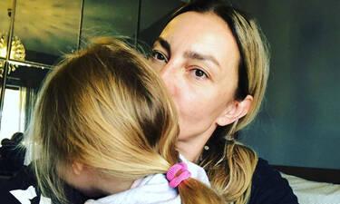Διεθνής Ημέρα Οικογένειας: H Ρούλα Ρέβη φωτογραφίζει μοναδικά την οικογένειά της