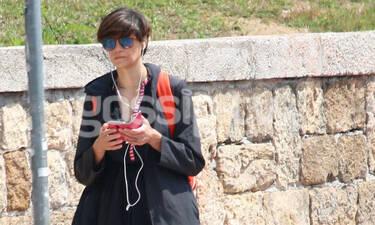 Άννα Μαρία Παπαχαραλάμπους: Βόλτα στην Αθήνα μετά το πένθος (photos)