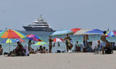 Μάσκες, voucher και εφαρμογές εντοπισμού κρουσμάτων: Οι οδηγίες της Κομισιόν για τον τουρισμό