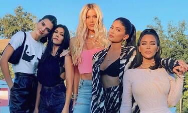 Οι Kardashians δείχνουν τα σπίτια τους κι εμείς αναστενάζουμε–Η χλιδή και τα κιτς στοιχεία (photos)