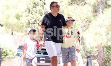 Γιώργος Λιάγκας:  Ένας μπαμπάς για όλα – Δες πόσο μεγάλωσαν και ψήλωσαν οι γιοι του (photos)