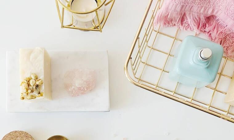 Τα 2 πράγματα που πρέπει να έχεις στο σπίτι σου σύμφωνα με τους ειδικούς για να είναι καθαρό