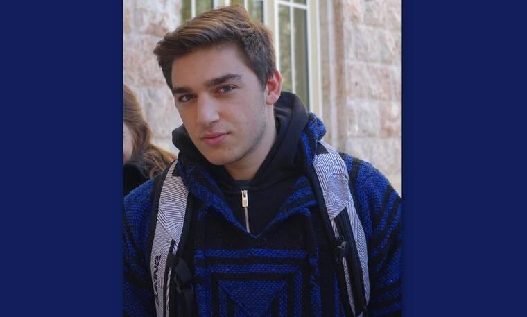 Είναι γιος πασίγνωστου ζευγαριού Ελλήνων παρουσιαστών και το Instagram του είναι απολαυστικό!
