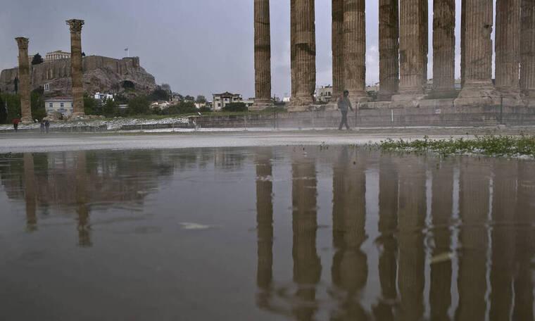 Καιρός: Ραγδαία αλλαγή του σκηνικού από σήμερα - Πού «χτυπούν» βροχές, καταιγίδες και χαλάζι