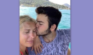 Άγγελος Λάτσιος: Η αδημοσίευτη οικογενειακή φωτογραφία και οι τρυφερές ευχές στην μητέρα του, Eλένη