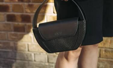 Covid-19: Πώς θα σταματήσεις την επιβίωση του ιού πάνω στην τσάντα σου;