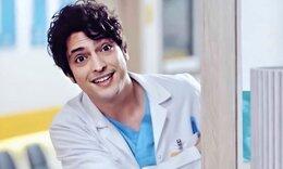 Γιατρός, η ιστορία ενός θαύματος: Έχετε δει τη σύντροφο του πρωταγωνιστή Taner Ölmez; Είναι κούκλα!