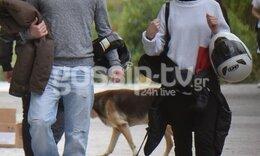 Ελληνίδα ηθοποιός βολτάρει στο κέντρο της Αθήνας και δεν αποχωρίζεται το... κράνος της! (Photos)