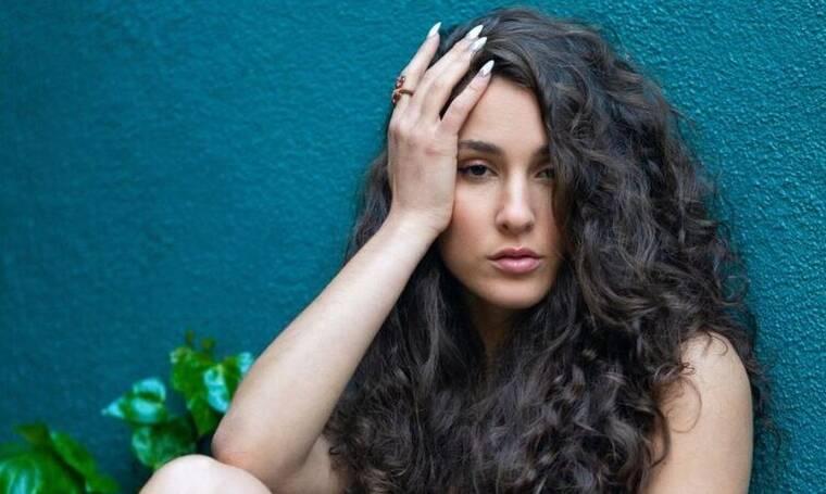 Evangelia: Η ταλαντούχα Ελληνίδα τραγουδίστρια που δείχνει την Ελλάδα σε όλο τον κόσμο (video)