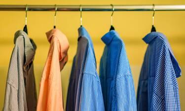 Πώς να σιδερώσεις τα ρούχα σου χωρίς σίδερο ρούχων