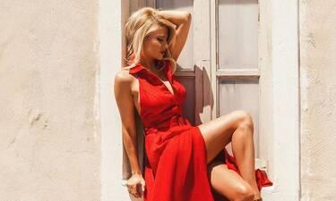 Σκορδά: Φόρεσε το μαγιό που θα έπρεπε να είχες αγοράσει χθες! H λεπτομέρεια που θα λατρέψεις