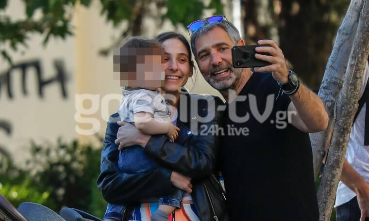 Θοδωρής Αθερίδης: Οι selfies με τον εγγονό του και την κόρη του (photos)