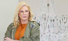 Αγνώριστη η Δήμητρα Λιάνη με το νέο της look - Αυτός είναι ο λόγος που έκοψε κοντά τα μαλλιά της