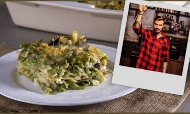 Ο Άκης Πετρετζίκης μάς δίνει την καλύτερη συνταγή για σουφλέ με μακαρόνια στον φούρνο!