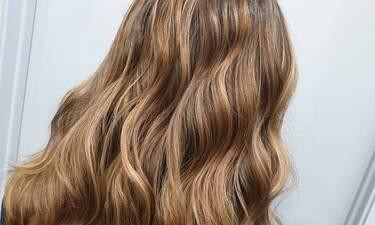 Πώς θα κάνεις εύκολα τα ωραιότερα κυματιστά μαλλιά