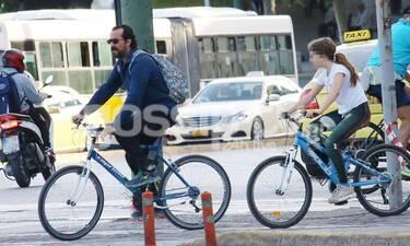 Τάσος Νούσιας: Ξέγνοιαστες στιγμές με την κόρη του! Η ποδηλατάδα στο Ζάππειο! (Photos)