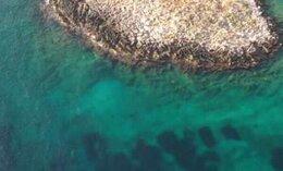 Το νησί-μύθος που βρίσκεται δίπλα στην Αττική