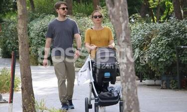 Μάρκος Κατσίμης: Βόλτα για τον γιο της Έλλης Στάη με τη σύζυγο και το παιδί τους! (Pics)