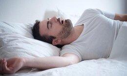 Αυτοί είναι οι άντρες που προτιμούν να κοιμούνται μόνοι τους