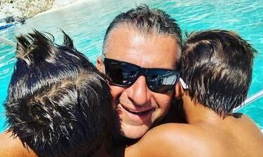 Λιάγκας: Διακοπές στον Πόρο με τους γιους του! Το φωτογραφικό άλμπουμ!
