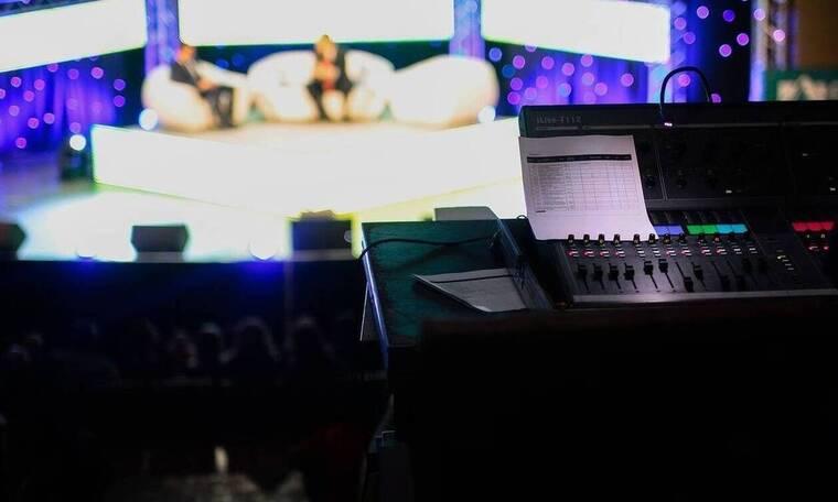 Χαμός σε εκπομπή – Επική τούμπα παρουσιαστή on air (pics)