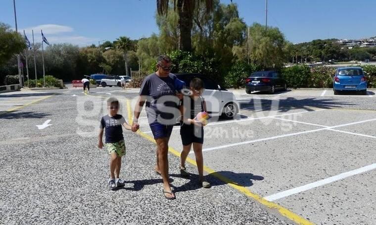 Γιώργος Λιάγκας: Εξόρμηση στην παραλία με τα παιδιά του (Photos)