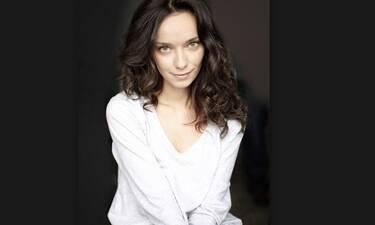 Κατερίνα Μισιχρόνη: Αγνώριστη η ηθοποιός! Έκοψε τα μαλλιά της