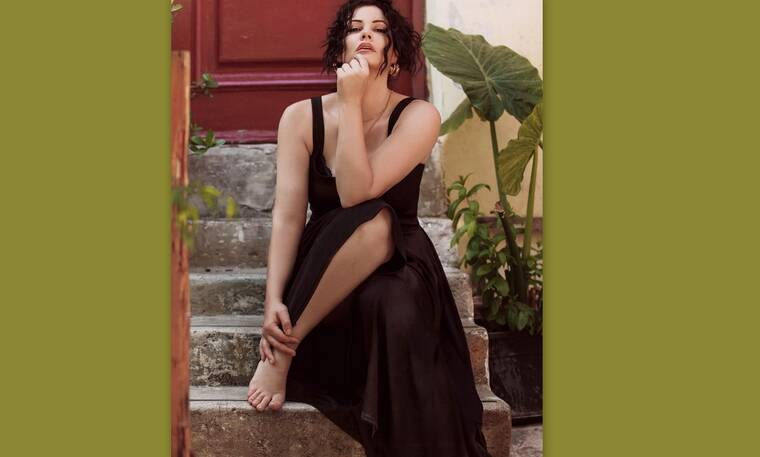 Μαρία Κορινθίου: Θα εντυπωσιαστείς!Η πρώτη αρετουσάριστη φώτο της με μπικίνι