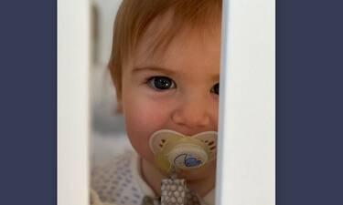 Μήπως τελικά αυτό είναι το πιο όμορφο μωρό επωνύμων; Οι φωτό που λατρέψαμε