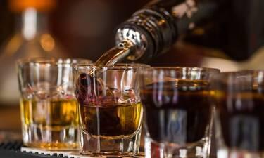 Έτσι θα καταλάβεις αν το ποτό σου είναι «μπόμπα»