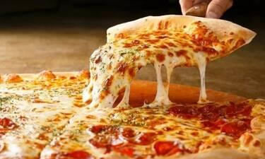 Τόσο καιρό έτρωγες λάθος την πίτσα σου