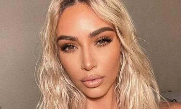 Η Kim Kardashian σχεδόν εξαφάνισε τη μέση της, και πραγματικά τρομάξαμε