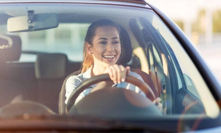 Μύθοι & αλήθειες για τις γυναίκες οδηγούς