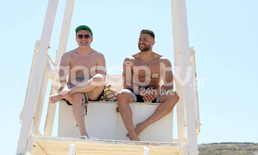 Βαλαβάνη-Βασάλος: Παιδιά σας βλέπουν! Τα τρυφερά ενσταντανέ σε παραλία της Μυκόνου