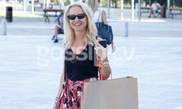 Μπεκατώρου: Ποια γυναίκα δεν χαμογελά μετά από shopping therapy; (photos)