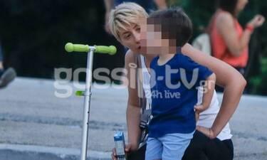 Σία Κοσιώνη: Παιχνίδια με τον γιο της στο Ζάππειο! (photos)