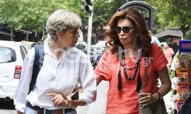 Μιμή Ντενίση: Βόλτα με στιλ στο Κολωνάκι! (Photos)