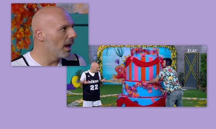 «Κάγκελο» ο Μουτσινάς: Δεν θα πιστεύεις ποια βγήκε από την τούρτα!